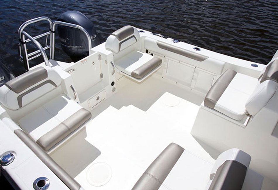 25 ft World Catamaran
